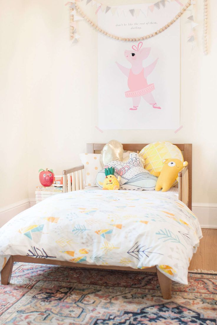 a toddler bed at the grandparents'
