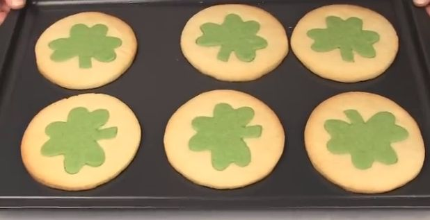 Copycat Recipe: Pillsbury Shamrock Shape Sugar Cookies  |  Incredibly soft and sweet, it is no wonder why I loved these cookies so much. @bakelikeapro
