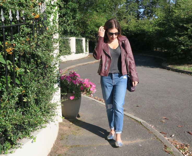 GIRLFRIEND JEANS / Do you remember when skinny jeans were new and we all thought they were a passing fad? I took a LONG time to embrace that fad, living in my baggy, low slung boyfriends jeans far beyond a time when …