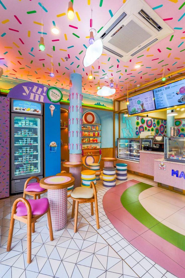 Cake Shop Design, Bakery Design, Cafe Interior Design, Cafe Design, Ice Cream Parlor, Ice Cream Shops, Boutique Patisserie, Natural Ice Cream, Bakery Decor