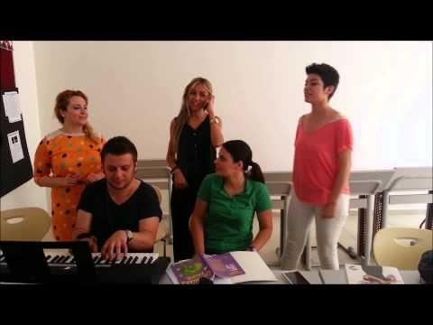 Şen Çalgıcılar Zım terelelli Mektebim Koleji Müzik Öğretmenleri Söylüyor - YouTube