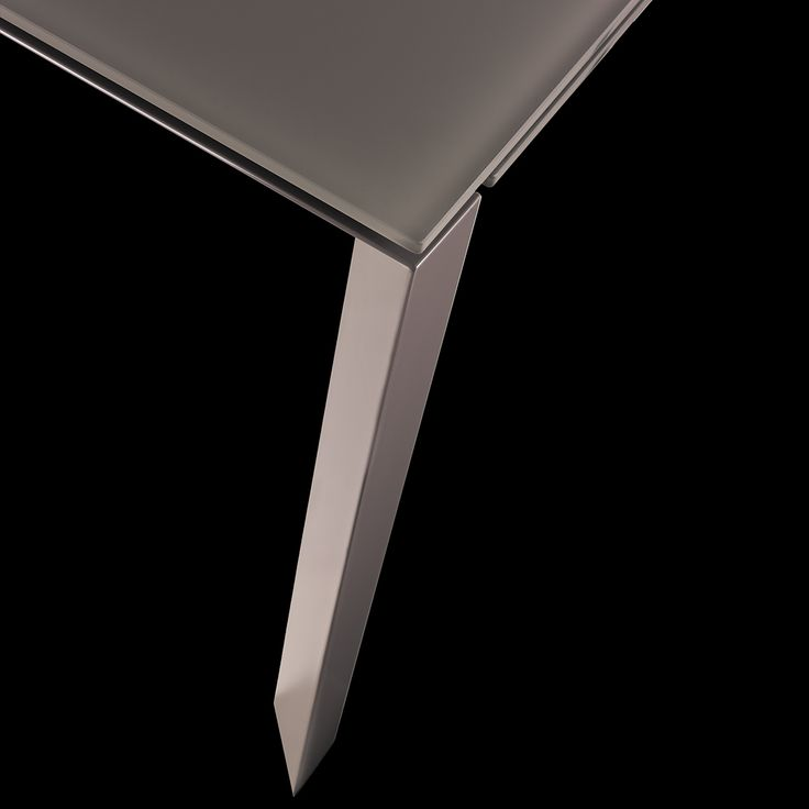 € 369,00 #sconto 70% BLAZE fog #tavolo moderno rettangolare #allungabile a quasi 2 metri e con le gambe sempre perimetrali, ideale per la zona #pranzo. in #offerta #prezzo su www.chairsoutlet.com