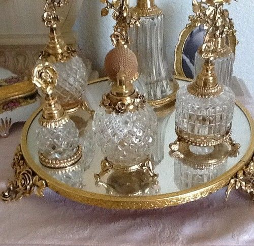 """I ADORE This!!!!!!!!!!! KG<3  Matson Gold Roses """"Round Vanity Tray"""" 1950's Vintage   eBay"""