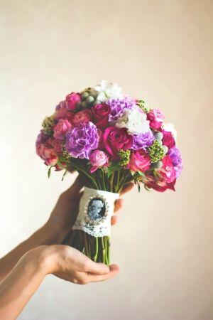 Букет невесты ЛЕЯ. Диантус, дельфиниум, роза.  #lejardinbotanique #студияjardin #wedding  #flowersbox #bouquetbox