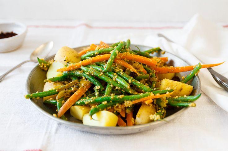 Probiert doch mal unseren leckeren Bohnensalat mit orientalischem Korianderdressing, Kartoffeln & Couscous!