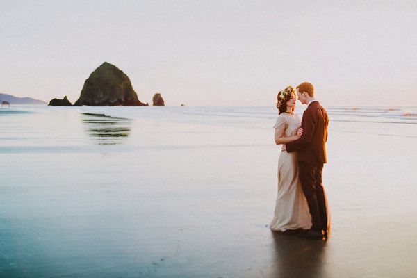woodland portland elopement - Dylan and Sara Photography - http://ruffledblog.com/woodland-portland-elopement