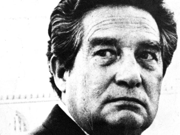 Octavio Paz. Premio Nobel de 1990. Se considera el último grito del Estridentismo. Piedra de Sol es el poema más conocido, y unos de los más importantes de la historia literaria de Hispanoamérica y el mundo.