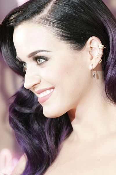 """Katy Perry: """"Illuminati Priestess"""" Conducts Witchcraft Ceremony In Front Of The Entire World - """"The kind of stuff that Perry is doing now is not for amateurs. She is either working with someone who is deep into the occult or she is deep into it herself."""""""