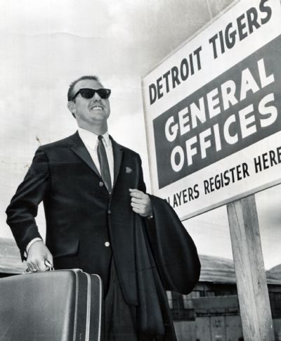 Al Kaline arrives at Detroit Tigers spring training in Lakeland in 1964. (The Detroit News)