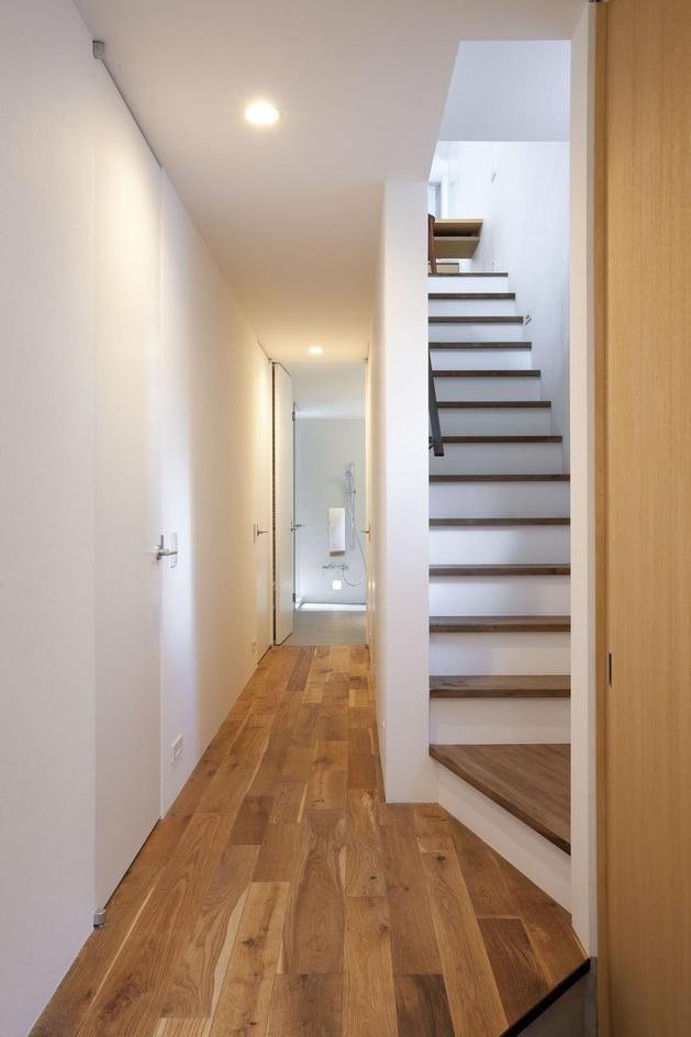 25 best ideas about narrow staircase on pinterest loft - Narrow house interior design ...