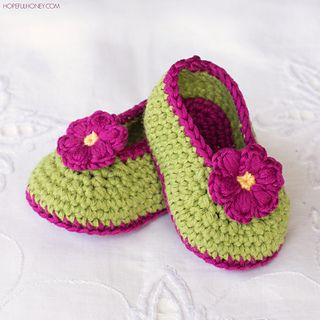 Fairy_blossom_baby_booties_crochet_pattern_small_small2