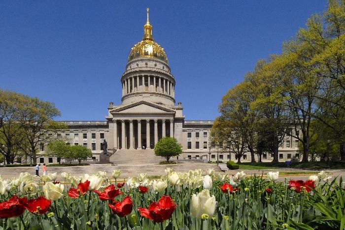 52 best capitol buildings usa images on pinterest for Capital city arts and crafts show charleston wv