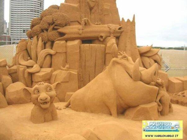 castello di sabbia il re leone