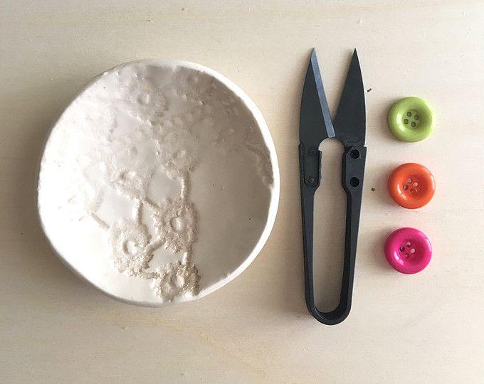 Piattino wedding in argilla bianca con texture pizzo by nigutindor for sale on etsy