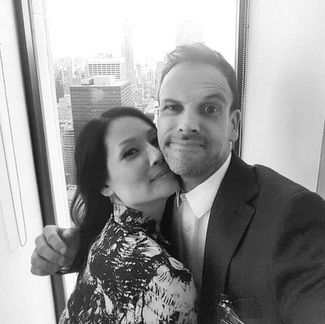 Lucy Liu and Jonny Lee Miller -Elementary - set