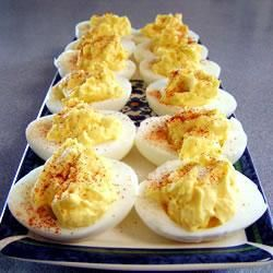 Eenvoudige gevulde eieren @ allrecipes.nl