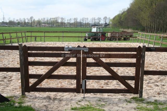 houten poort rijbak