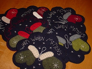 How cute are this little wool mats?  Adorable!!