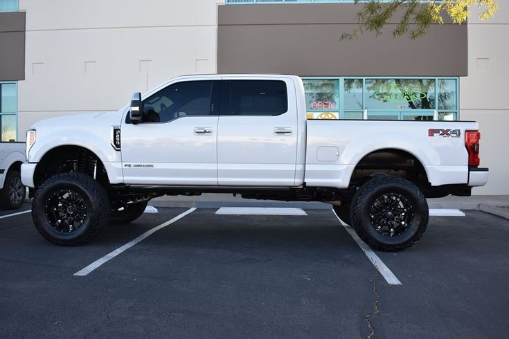 """2017 Ford Super Duty equipped with a Fabtech 6"""" Radius Arm System #fabtech #fabtechmotorsports #ford #superduty #f250 #f350 #liftedtrucks #alumiduty"""