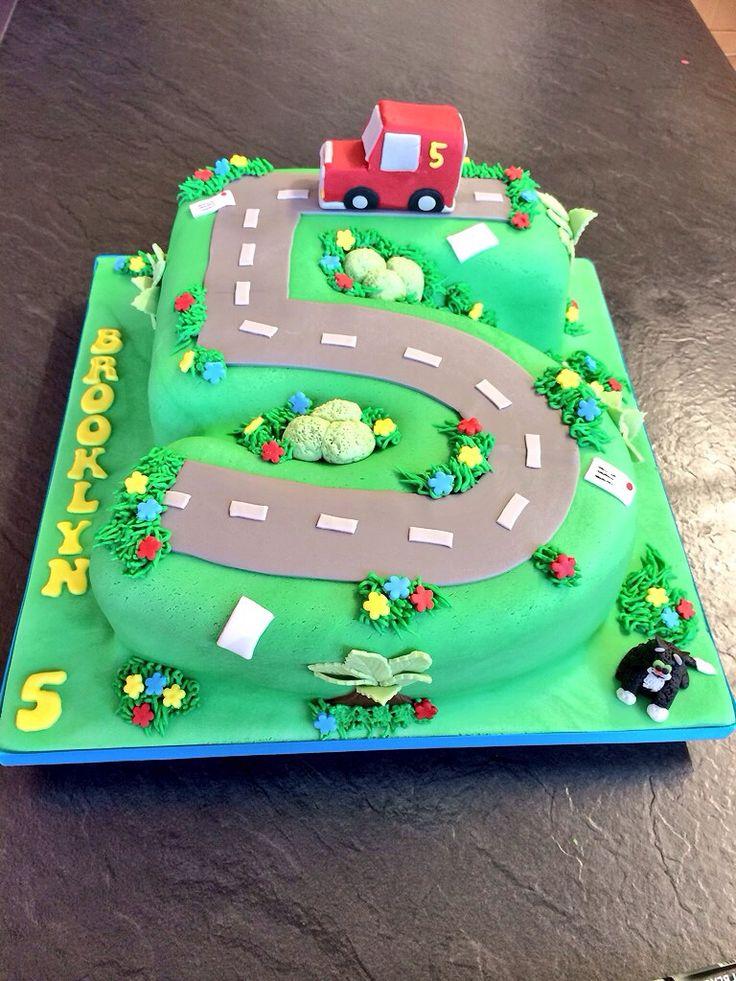Postman pat number 5 cake #postmanpat #cake #yummiliciouscakes