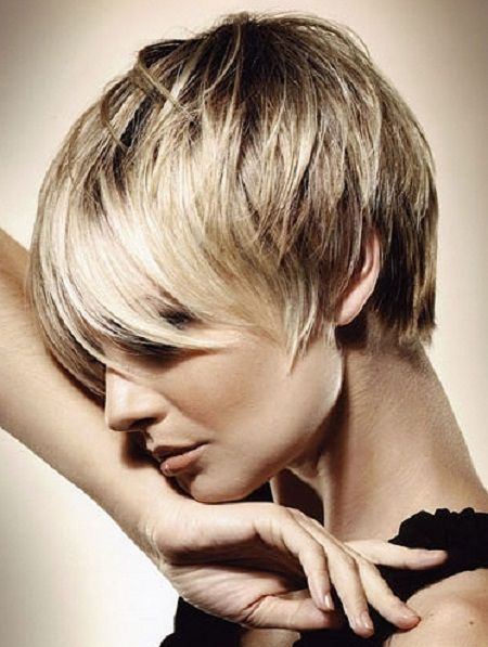 Image from http://www.sofitel-doha.com/wp-content/uploads/2014/06/short-hairstyles-for-women-with-thin-hair-and-round-faces1.jpg.