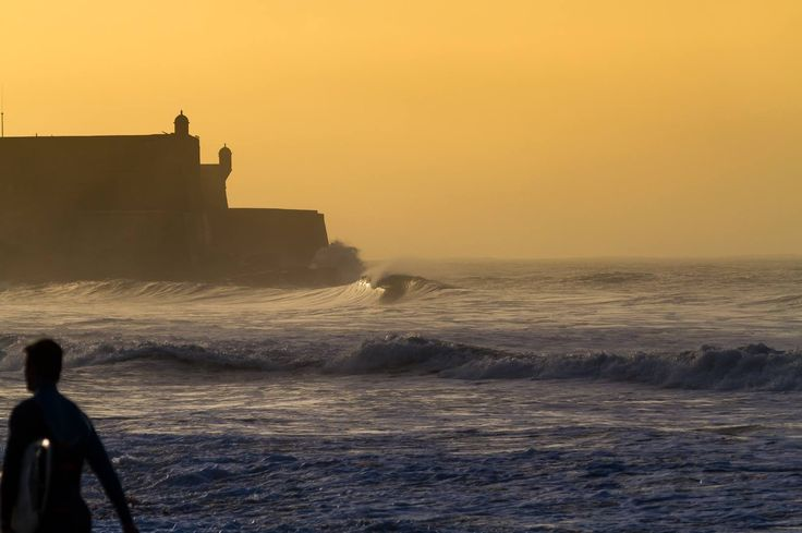 Legendary Surf Spot: Carcavelos Beach in Portugal - via SurfHolidays 20-12-2016   Carcavlos beach is 17 km South West of Lisbon city centre and is one of the best known and loved beach breaks in Portugal. This surf spot is unique in Europe as it is essentially a city beach break, it can easily be accessed by public transport from Lisbon city centre and also is the starting point to the Cascais coastline to the west.