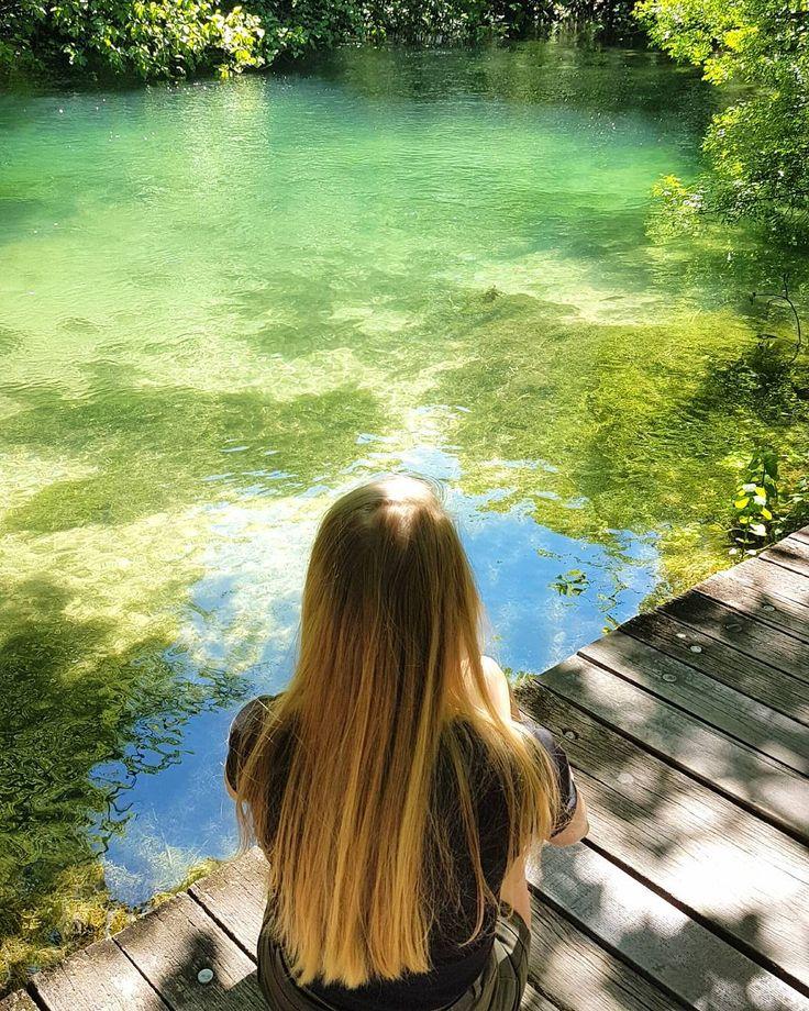 """""""Zacznij doceniać szczegóły. Poranną kawę, dobrą książkę, zachwycającą piosenkę. Znajdź szczęście w uśmiechu przechodnia, ciepłym głosie mamy, chwilą spędzoną z przyjaciółmi. Doceniaj każdą sekundę. Uwierz w siebie. Uwierz, że marzenia się spełniają (..)"""" #małerzeczy #szczęście #marzenia #piekniejestzyc #podróż #chorwacja #croatia #krka #nationalpark #krkanationalpark #happiness #littlethings #dream #lifeisbeauty #enjoymoments #polishgirl #travel #travellover #lake #cisza #spokój #natura…"""