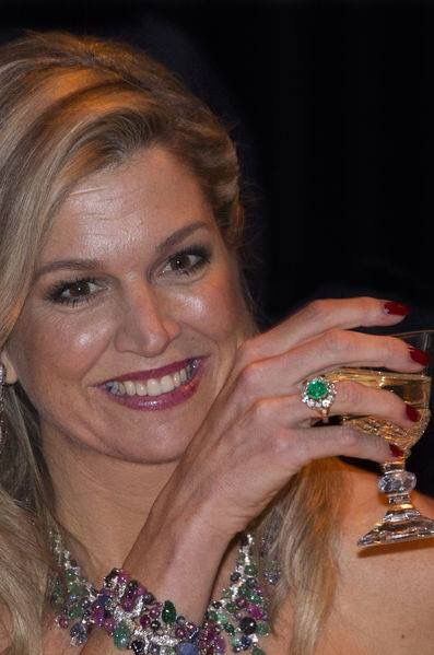 Queen Maxima of the Netherlands, wearing tutti frutti semi parure and emerald ring, November 29, 2016 in The Hague, Netherlands