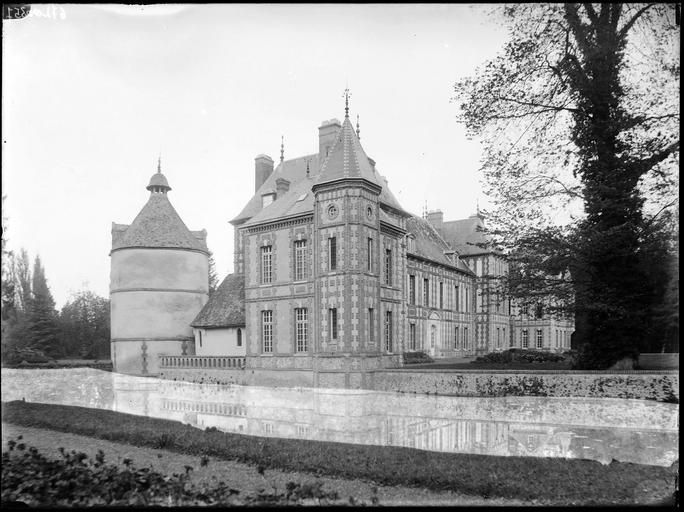 Château St Georges Motel | Dreux, Normandy, France. During the 1920s & 1930s, summer residence of Col. Jacques Balsan and Mme Consuelo Vanderbilt Balsan, the former Duchess of Marlborough and great granddaughter of Commodore Cornelius Vanderbilt.