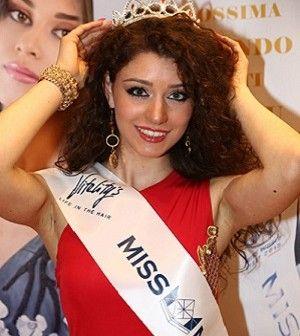 La quasi diciottenne Caterina Di Fuccia ha sbaragliato 27 concorrenti e si è aggiudicata la tappa provinciale di Miss Mondo Italia, tenutasi a Villa Diamante - Posillipo. #eventi #Napoli #MissMondoItalia
