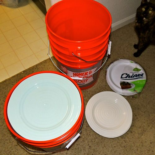 Best way to pack plates for moving, EVER! 5 galon buckets + Chinet paper plates + Dish towels for extra padding = Easy dish packing/transporting with no worries of breakage PLUS - Chinet plates are made from pre-consumer recycled materials and are compostable. SO much better than using packing foam or bubble wrap!