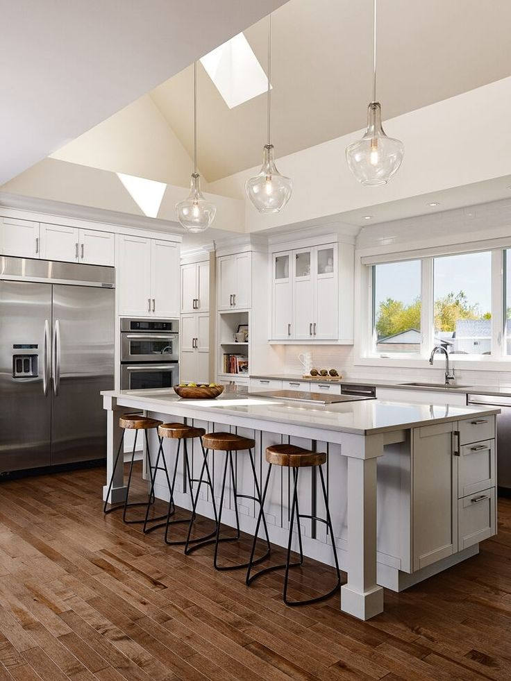 What is the standard overhang for a kitchen countertop