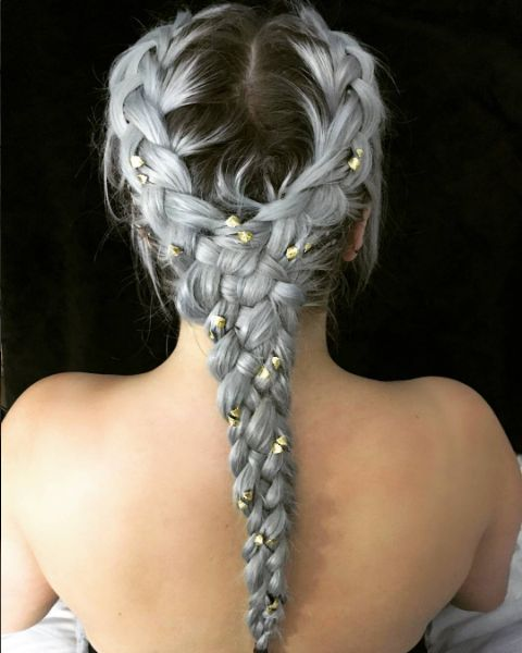 @victoriaxuk using our gold silver hair leaf twists to create this amazing pastel lilac braid. Perfect festival hairstyle.