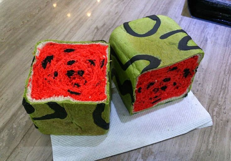 raincoats Taiwan Invents Square Watermelon Bread That Is Delicious And Confusing