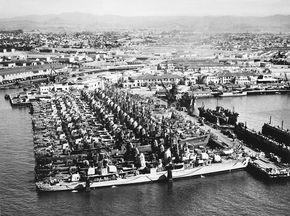"""Twenty Fletcher-class destroyers at Naval Base San Diego in early 1946 - Search results for """"san diego naval base porterfield prichett"""" - Wikimedia Commons"""