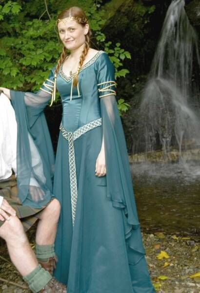 Beautiful medieval celtic inspired dress clothes for Renaissance inspired wedding dress