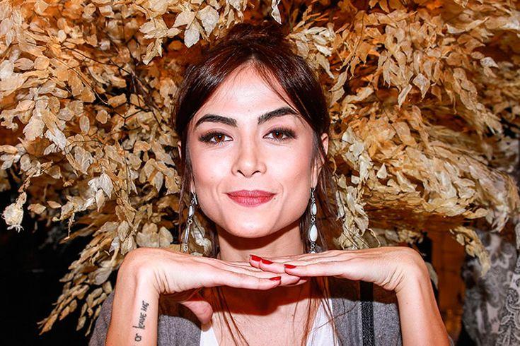 As sobrancelhas de Maria Casadevall são bem definidas, sem falha alguma. Dá pra usar a técnica de henna pra ficar igual! E aí, escolheu a sua?