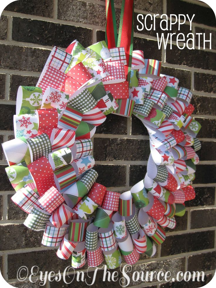 DIY a #Christmas #wreath from Scrapbook paper | #holiday #craft
