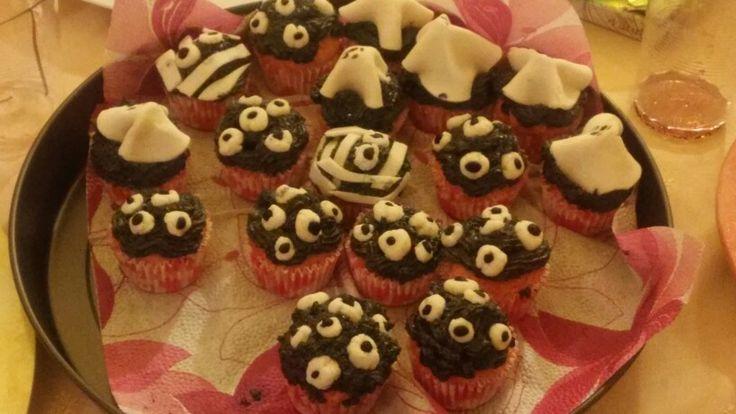 Halloweeni muffinok