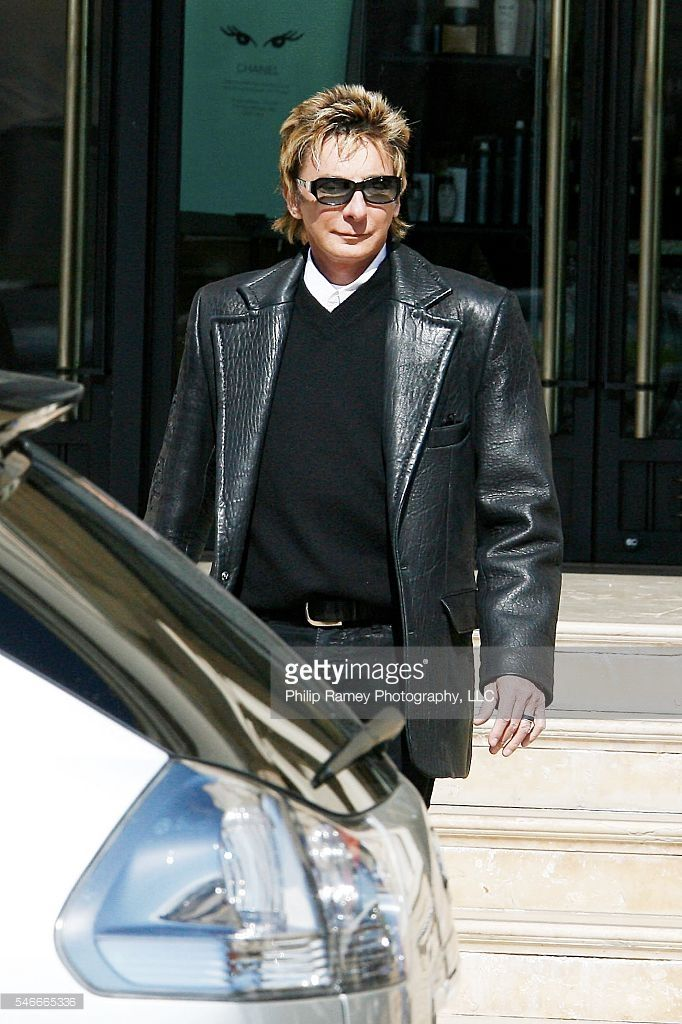 ©2008 RAMEY PHOTO AGENCY /PG EXCLUSIVE! BEVELRLY HILLS, 2/14/08. BARRY MANILOW…