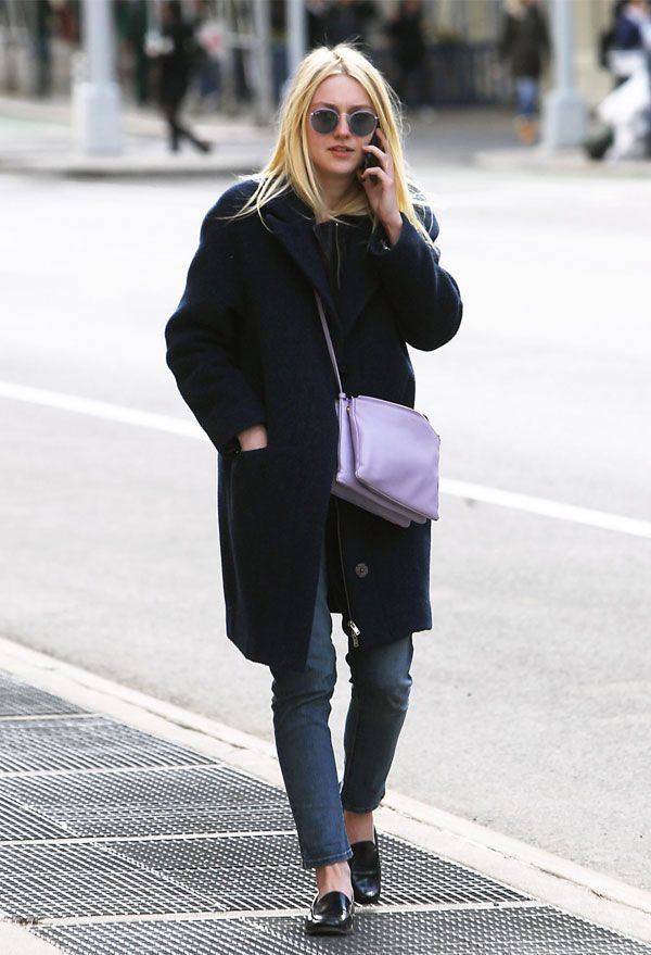 dakota fanning all black street style