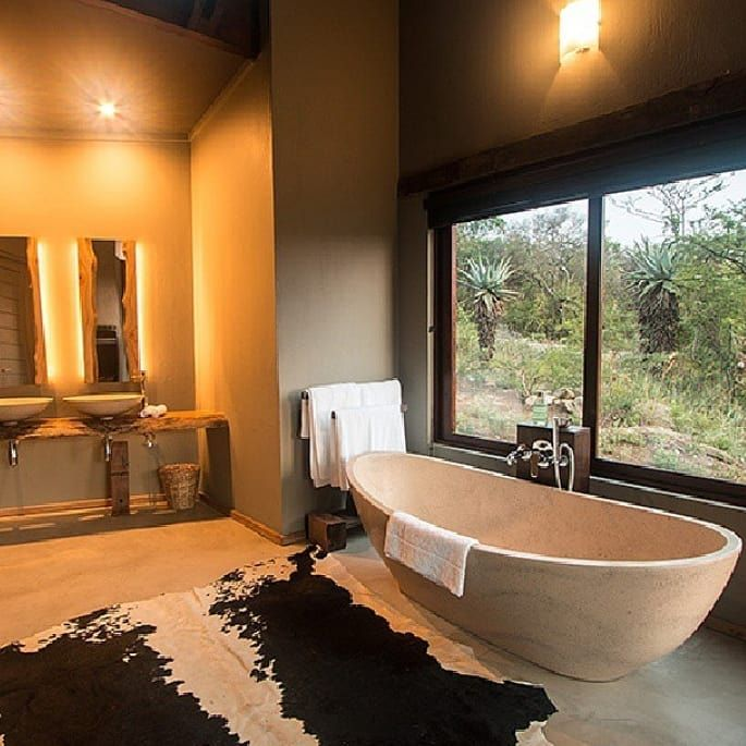 A View From Every Vantage Point At Rhinoridge Rhinoridge Safari Lodge Kwazu In 2020 Safari Home Decor Safari Lodge Interior Luxury Safari Lodge