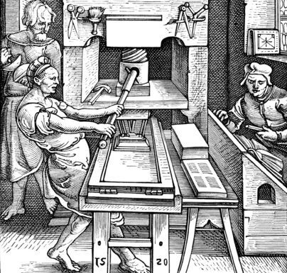 Papier was vroeger een zeldzaam en luxeproduct. Monniken schreven voor deze tijd nog alles met de hand en kopieerde alles met de hand. Rond 1400 verandert dat. Er werden papiermolens gebouwd waardoor er  sneller en goedkoper kon worden geproduceerd. Het gevolg van deze papiermolen was dat het drukken op papier veel sneller ging.
