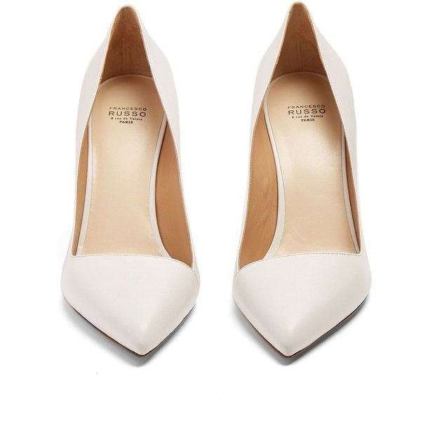 White leather shoes, Pointed toe shoes