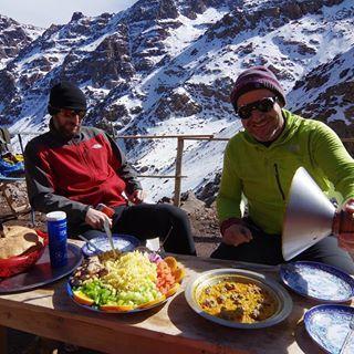 Como nos han cuidado!!!   Alimentando cuerpo y alma..   ATLAS 2017  MARRUECOS  #imlil  #aremd #toubkal #marrakesh #morocco #marruecos #toubkalnationalpark #viajasinmaletas #alpinism #alpinismo #trekking #hike #neverstopexploring #backpacker #adventure #mountains #montaña #atlas #atlasmountains #highatlas #pentaxk3II #k3II #jebeltoubkal #highatlasmountains #maroc #ikhibisur #mounttoubkal #toubkalsummit #loves_mountains