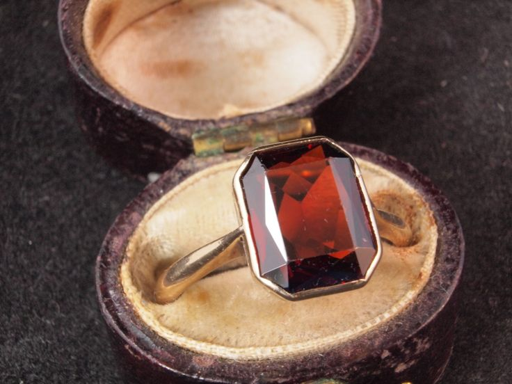 Vintage Garnet 9k 9ct gold ring for men or by BelmontandBellamy, £85.00