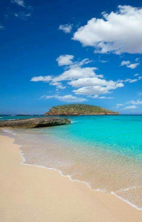 Cala Conta, Ibiza , Spain #Seayogipalma  Shop @ www.seayogi.es ️ #Ropa de yoga