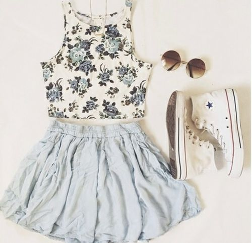 I like the floral design, and it goes well with the light blue skirt. And you can't beat converse.