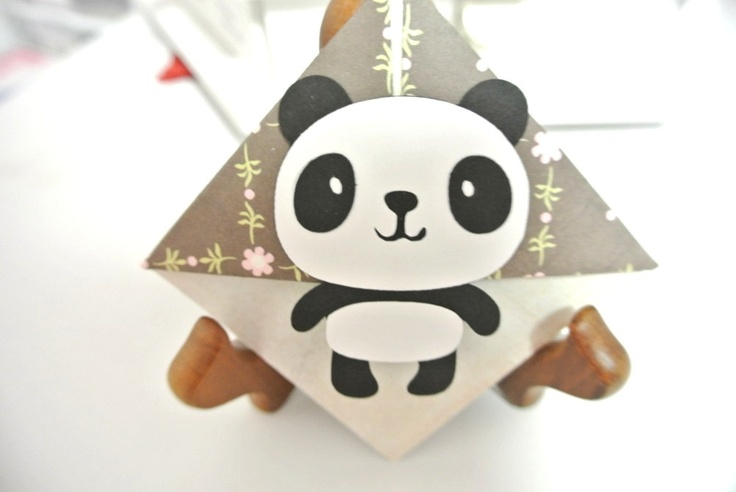 Panda corner bookmark. $1.50, via Etsy.