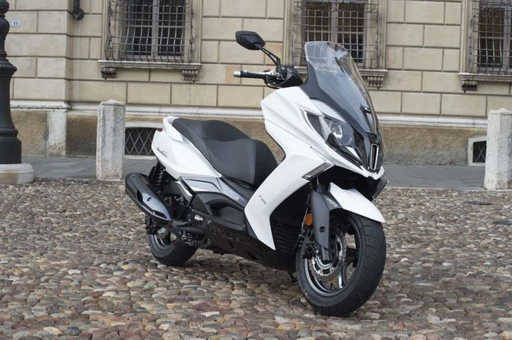 KYMCO DOWNTOWN 350i: due scooter in uno, ora anche Euro4...